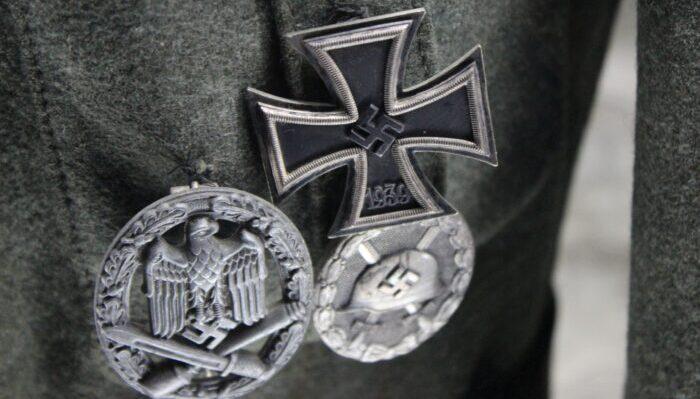 symbol-money-cross-war-silver-fashion-accessory-1007102-pxhere.com(1)